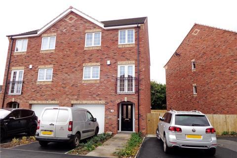 4 bedroom townhouse to rent - Wood Lane Court, New Farnley, Leeds