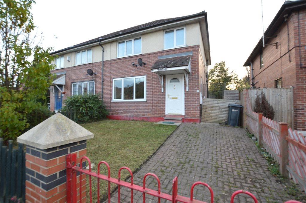 3 Bedrooms Semi Detached House for sale in Greenview Close, Leeds, West Yorkshire