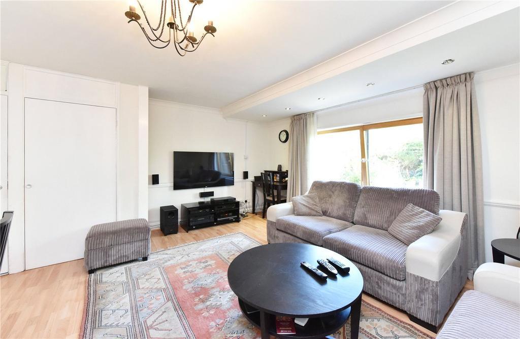 3 Bedrooms Maisonette Flat for sale in Rogate House, 8 Muir Road, London, E5