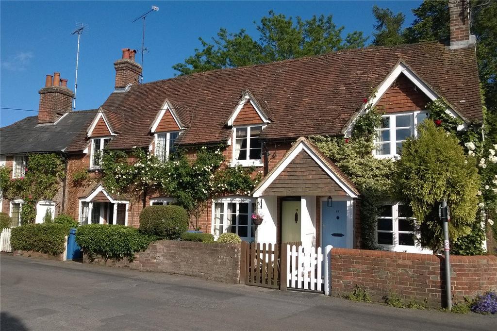 2 Bedrooms Terraced House for sale in The Borough, Crondall, Farnham, Surrey, GU10