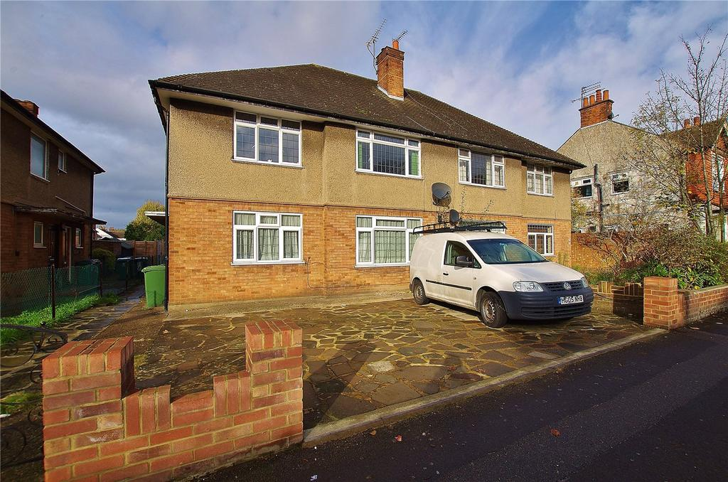 2 Bedrooms Maisonette Flat for sale in Whippendell Road, Watford, Hertfordshire, WD18
