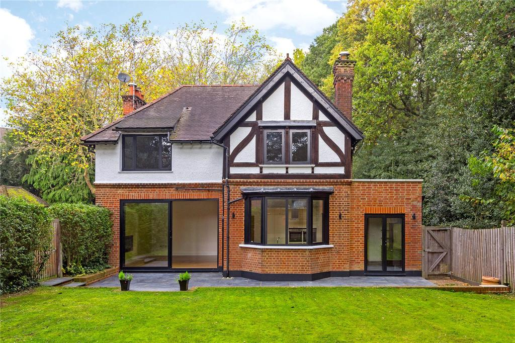 4 Bedrooms Detached House for sale in Kings Ride Gate, Richmond, Surrey, TW10