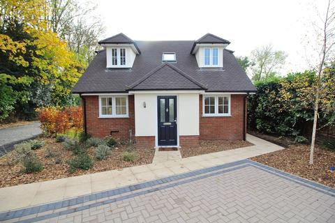 3 bedroom chalet for sale - Baddow Road, Chelmsford, Essex, CM2