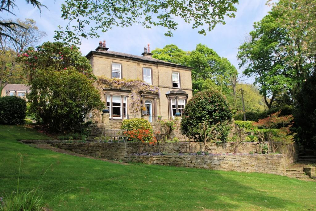 7 Bedrooms Manor House Character Property