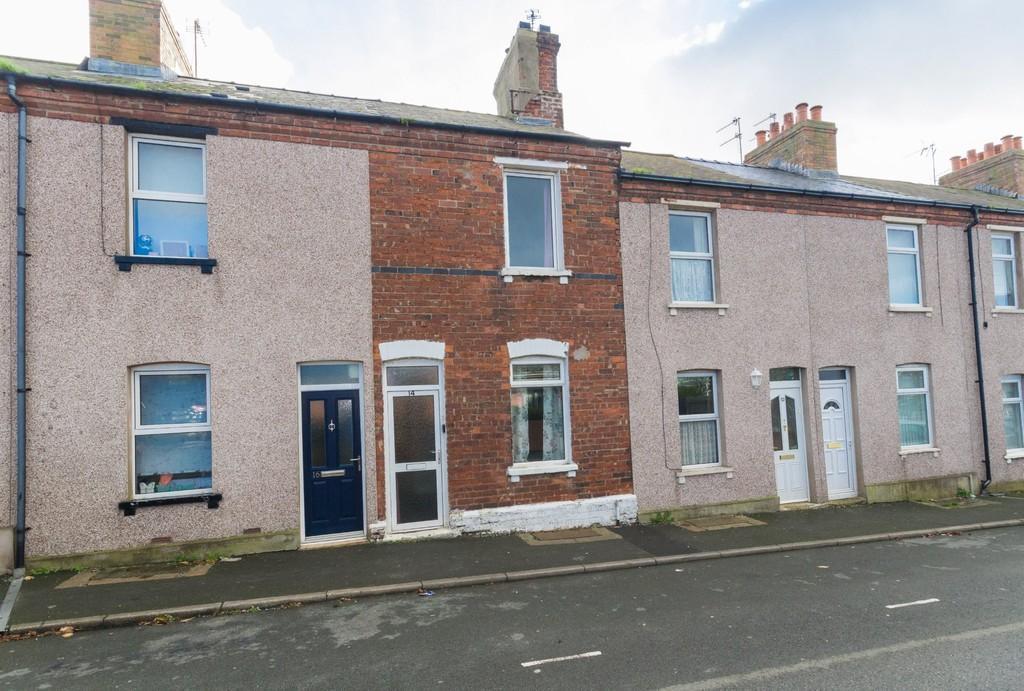 3 Bedrooms Terraced House for sale in Hood Street, Barrow
