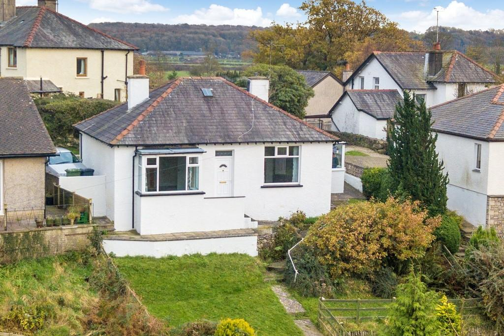 3 Bedrooms Detached Bungalow for sale in Florida, Grange Road, Lindale, Grange-over-Sands, Cumbria, LA11 6LL