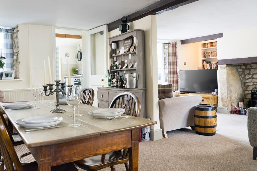 2 Bedrooms Cottage House for sale in Ebley, Stroud
