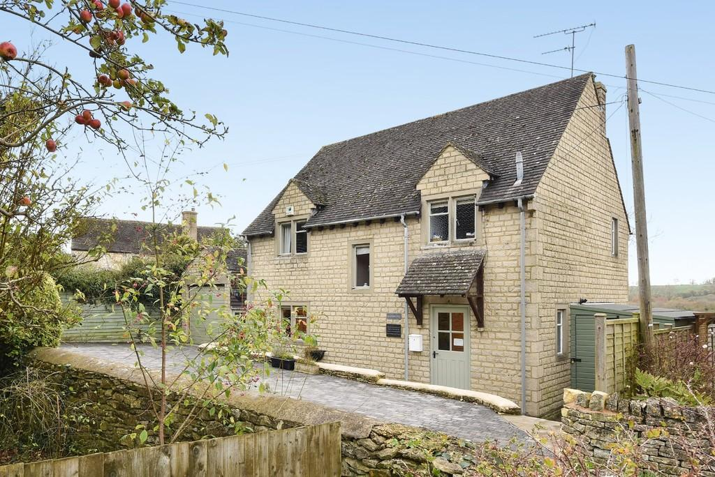 3 Bedrooms Detached House for sale in Eastcombe, Stroud