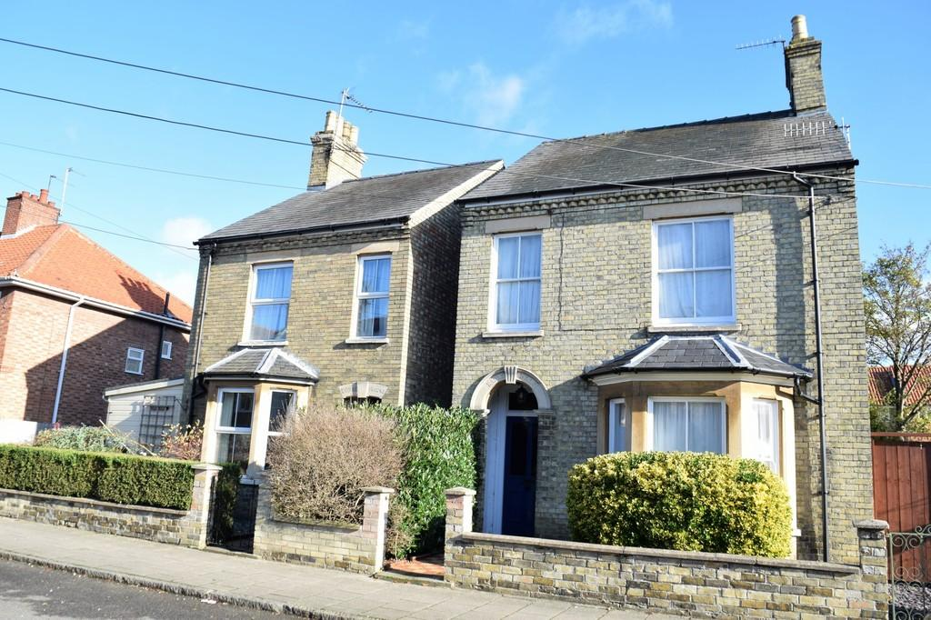 3 Bedrooms Detached House for sale in Earls Street, Thetford