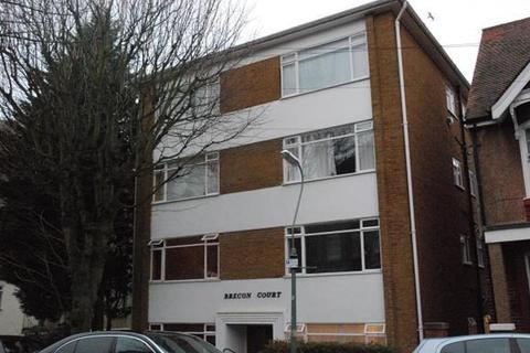 Studio to rent - Brecon Court Selborne Place Hove