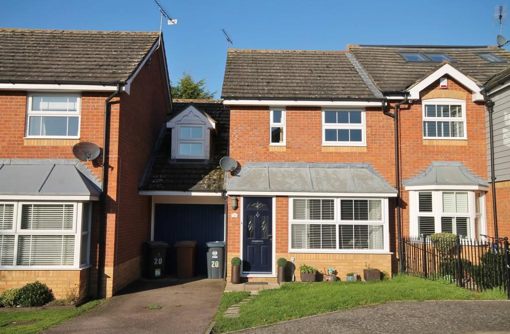 3 Bedrooms Terraced House for sale in Rib Close, Standon