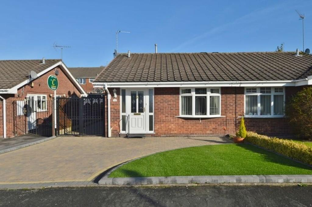 1 Bedroom Semi Detached Bungalow for sale in Meadowlark Close, Hednesford