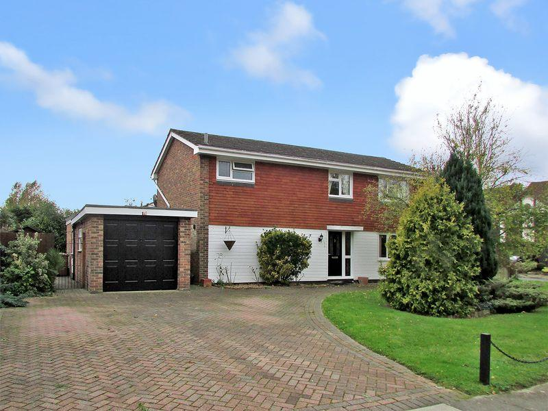 4 Bedrooms Detached House for sale in Portman Close, Bexley