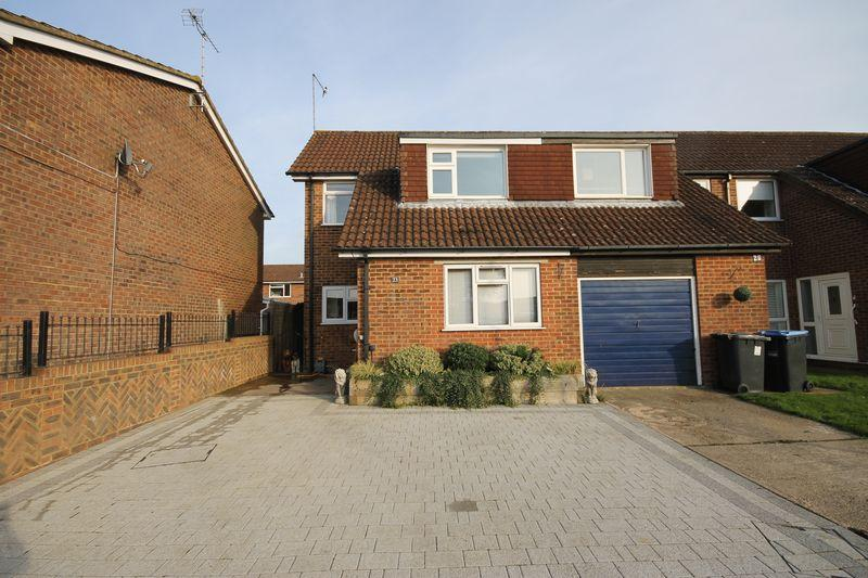 3 Bedrooms End Of Terrace House for sale in Coldwaltham Lane, Burgess Hill, West Sussex