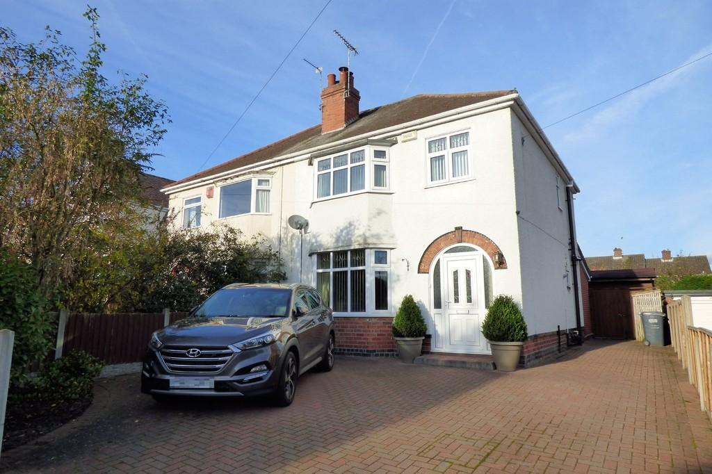 3 Bedrooms Semi Detached House for sale in Foston Avenue, Burton-on-Trent