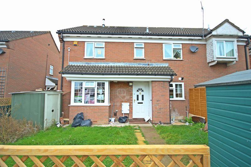 2 Bedrooms Terraced House for sale in Ellenhall Close, Biscot Road Area, Luton