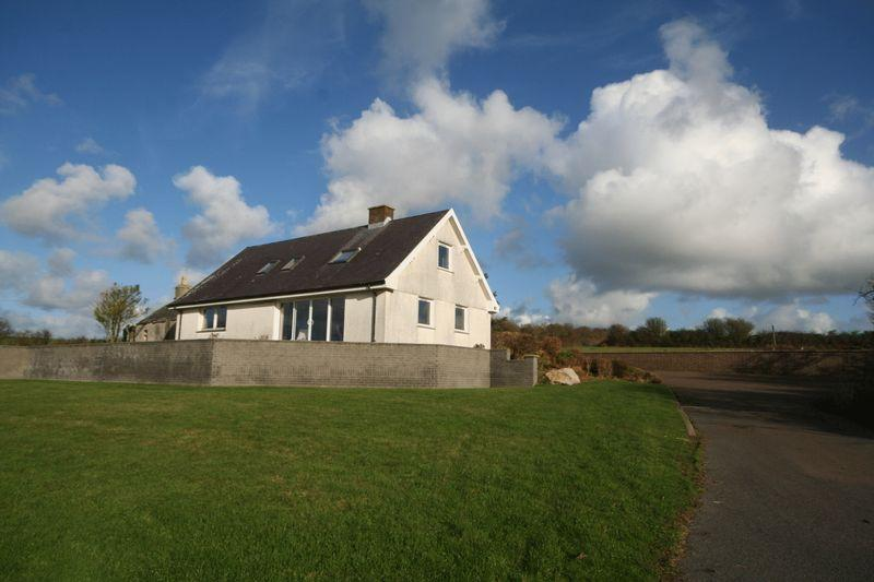 4 Bedrooms Detached House for sale in Llanfwrog, Anglesey
