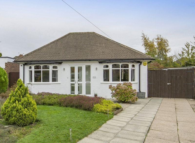 2 Bedrooms Detached Bungalow for sale in WOODLANDS AVENUE, SHELTON LOCK