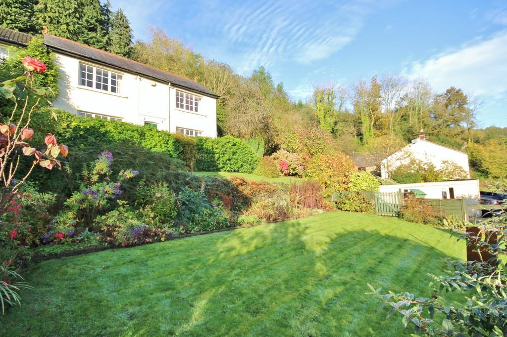 4 Bedrooms Detached House for sale in Main Road, Gwaelod-y-Garth, Cardiff