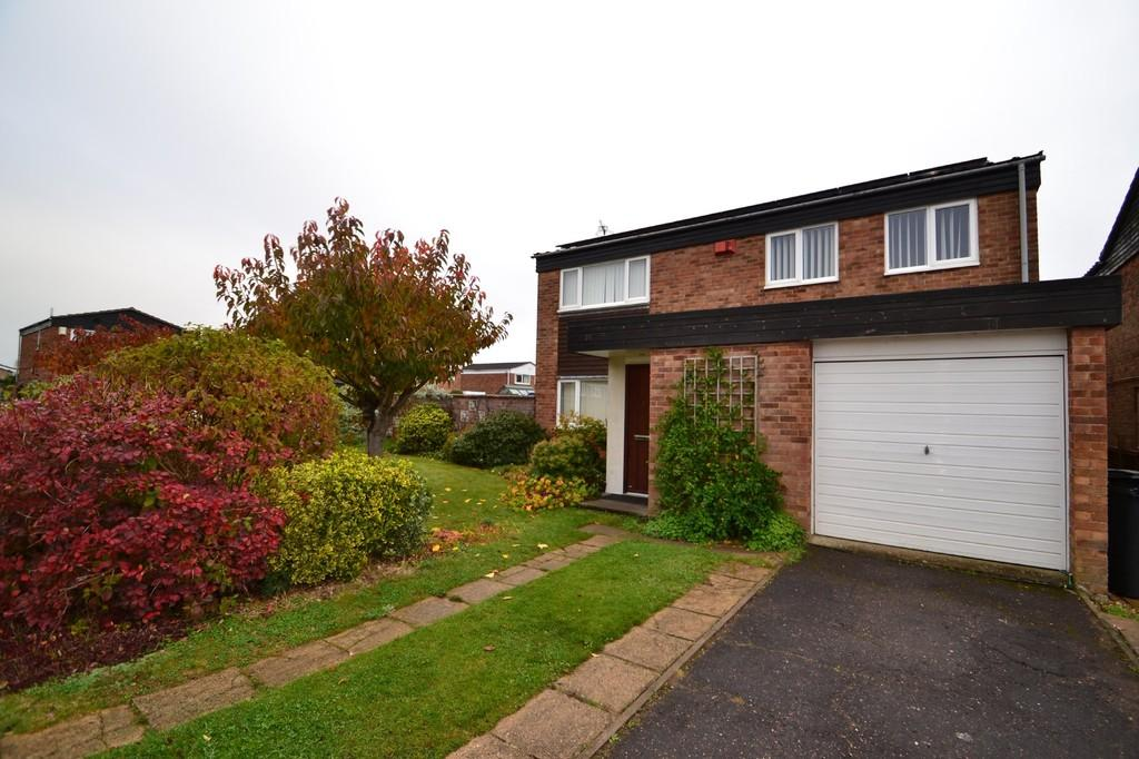 4 Bedrooms Detached House for sale in Kingswood Close, Eaton