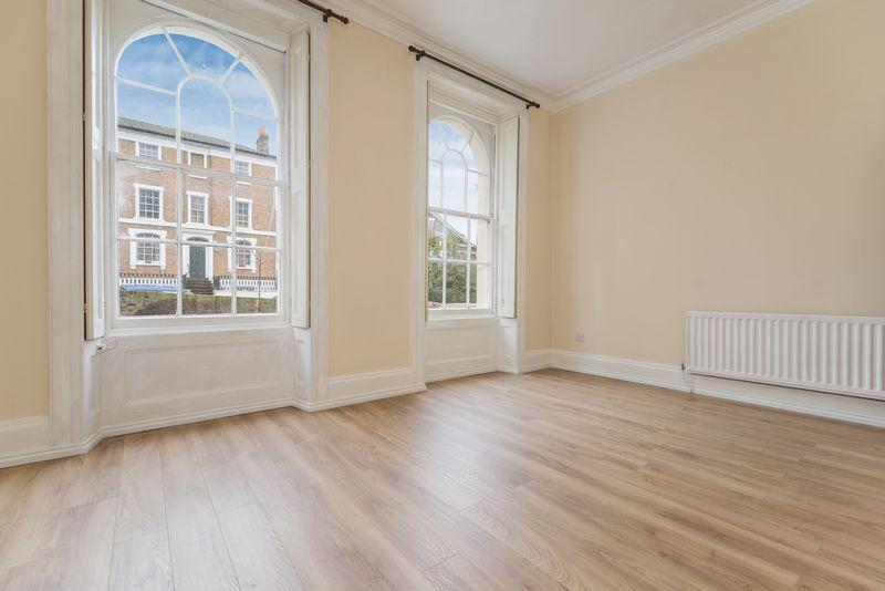 1 Bedroom Apartment Flat for sale in Woodhill, Charlton