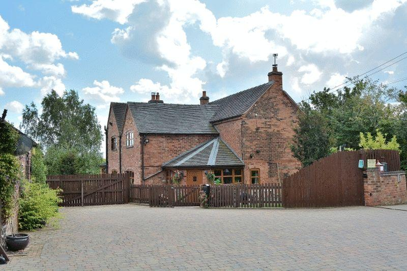4 Bedrooms Equestrian Facility Character Property for sale in Hollington Lane, Uttoxeter