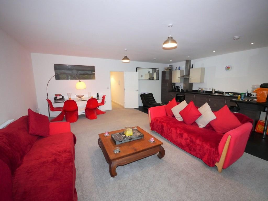 2 Bedrooms Apartment Flat for sale in St Edmunds House, Rope Walk
