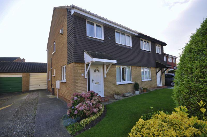 3 Bedrooms Semi Detached House for sale in Abbots Way, FAIRFIELD, Stockton-On-Tees