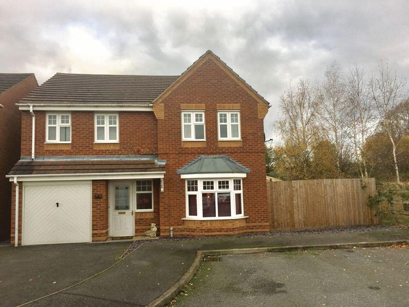 4 Bedrooms Detached House for sale in Island Close, Albert Village