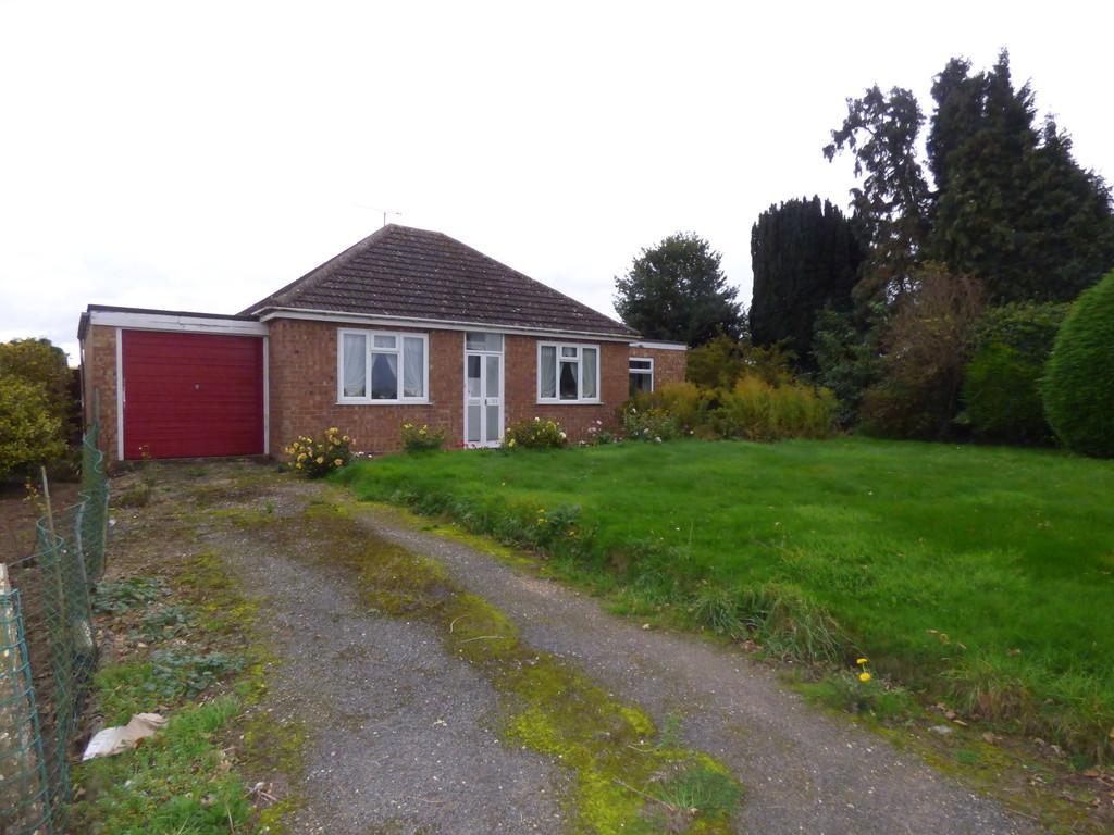 2 Bedrooms Detached Bungalow for sale in Wargate Way, Gosberton