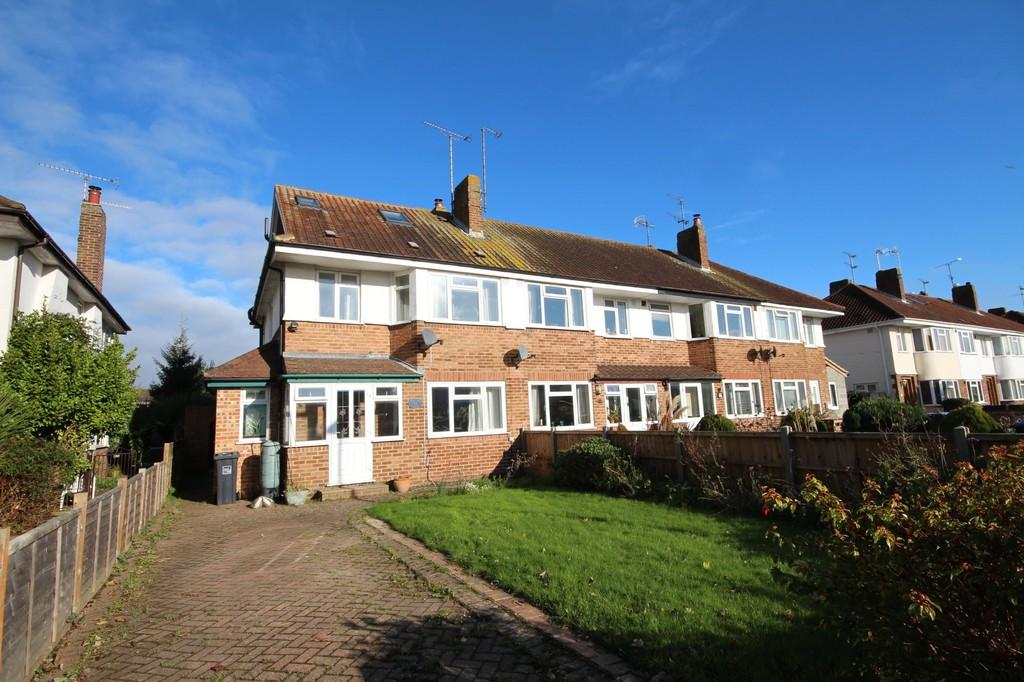 4 Bedrooms End Of Terrace House for sale in Ardingly Drive, Goring-by-sea, Worthing BN12 4TP