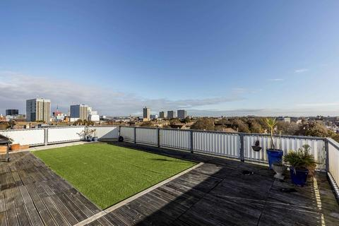 2 bedroom penthouse for sale - Kings Road, Southsea