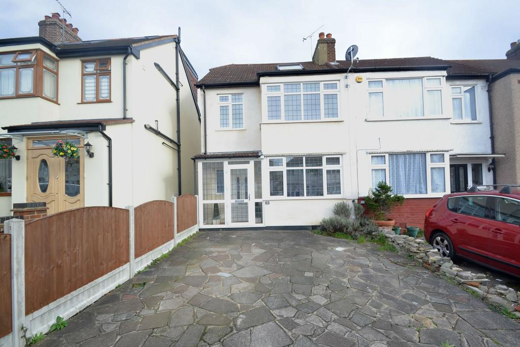 4 Bedrooms End Of Terrace House for sale in Hillfoot Avenue, Collier Row