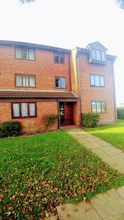 2 bedroom flat to rent - A Spacious 2 Bedroom Flat located on Goldthorn Court in Wolverhampton, WV4 6EE