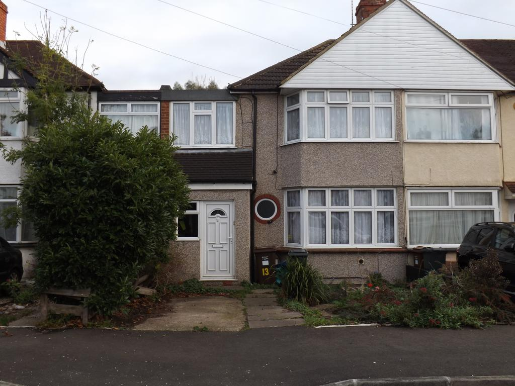3 Bedrooms End Of Terrace House for sale in Camrose Avenue, Feltham