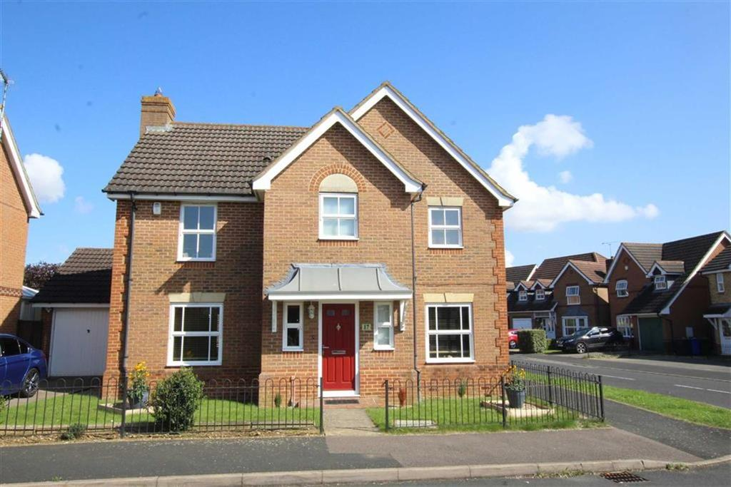 4 Bedrooms Detached House for sale in 17, Chaffinch Way, Brackley