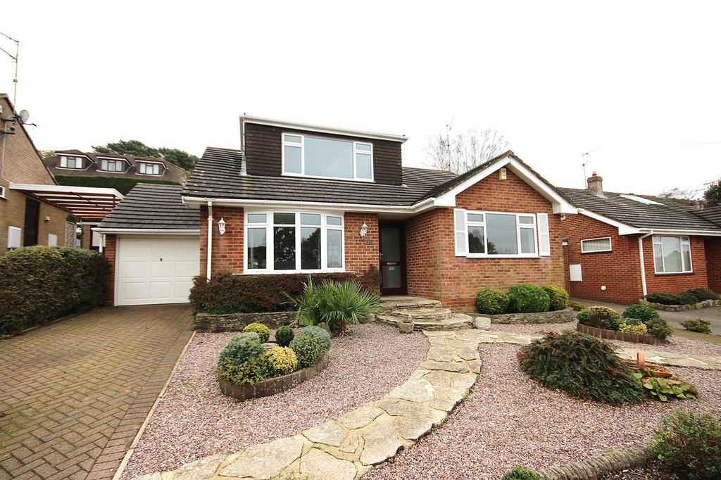 4 Bedrooms Chalet House for sale in Gorse Road, Corfe Mullen, Wimborne