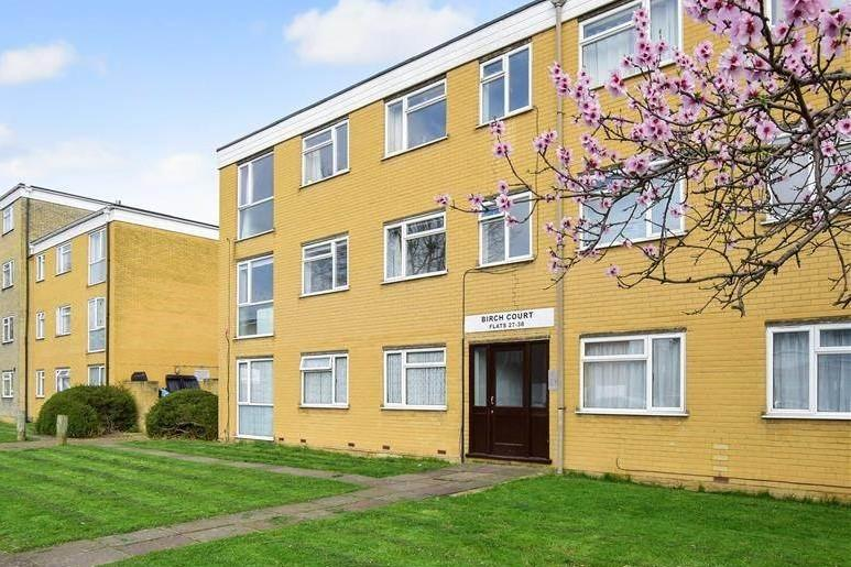 2 Bedrooms Flat for sale in 50 Thicket Road, Sutton, Surrey SM1