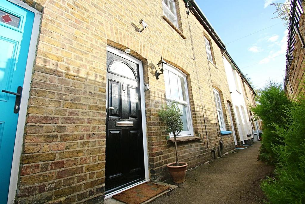 2 Bedrooms Terraced House for sale in Steamer Terrace, Chelmsford