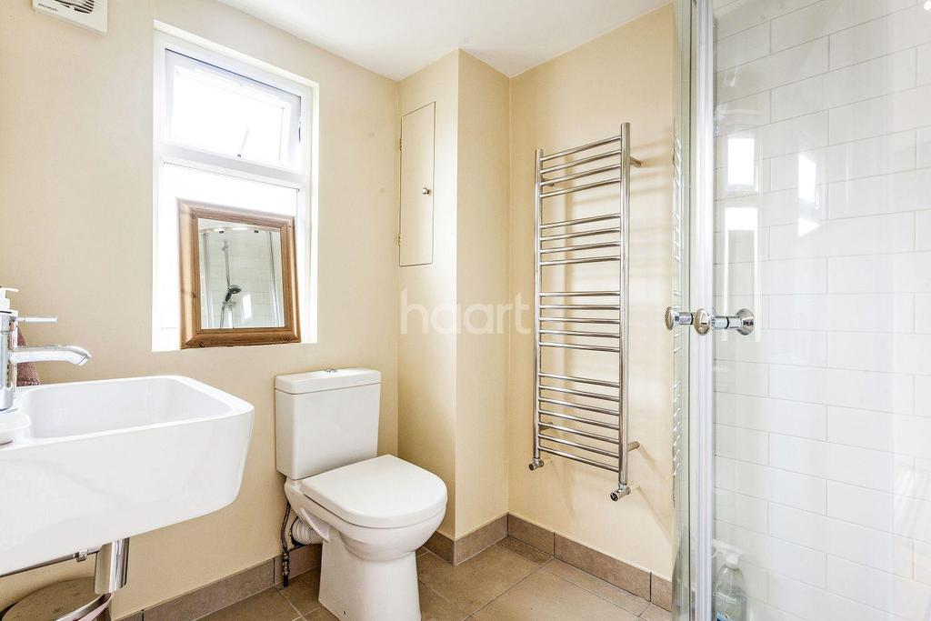 4 Bedrooms Terraced House for sale in Eswyn Road, Tooting, SW17