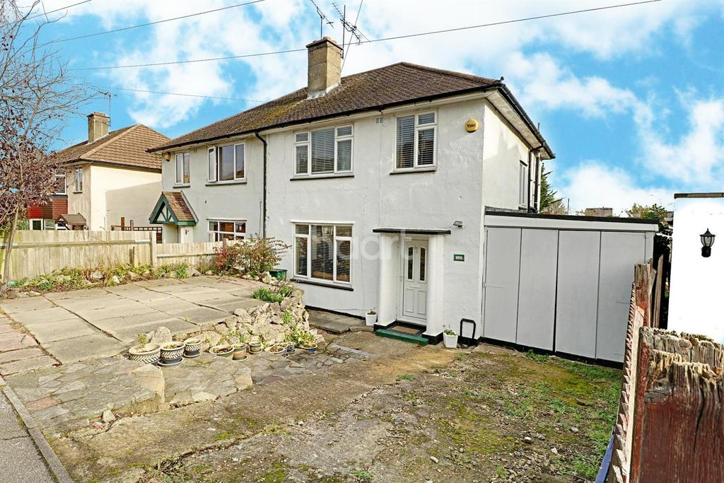 3 Bedrooms Semi Detached House for sale in Chipstead Road, Erith, DA8