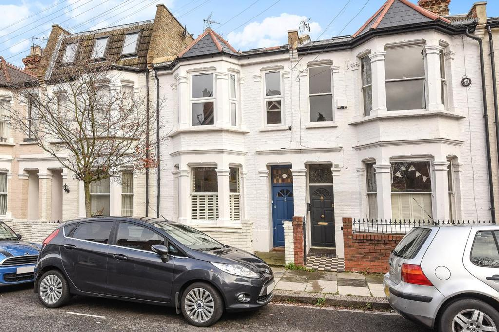 2 Bedrooms Flat for sale in Rainville Road, Hammersmith