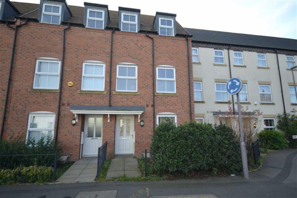 3 Bedrooms Terraced House for sale in Cedar Road, Camp Hill, Nuneaton