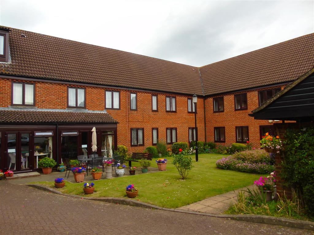 1 Bedroom Flat for sale in Ashley Court, Hatfield