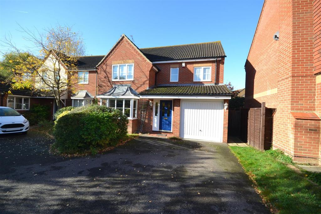 4 Bedrooms Detached House for sale in Beauchamps, Burnham-on-Crouch