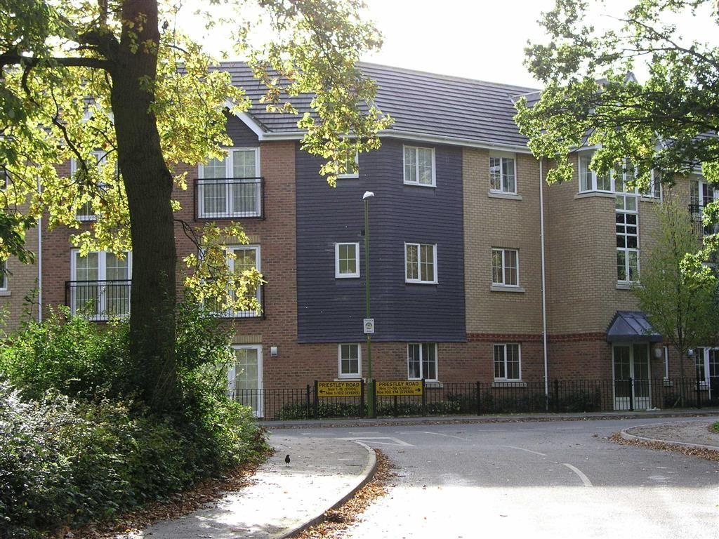 2 Bedrooms Apartment Flat for sale in Priestley Road, Stevenage, Hertfordshire, SG2
