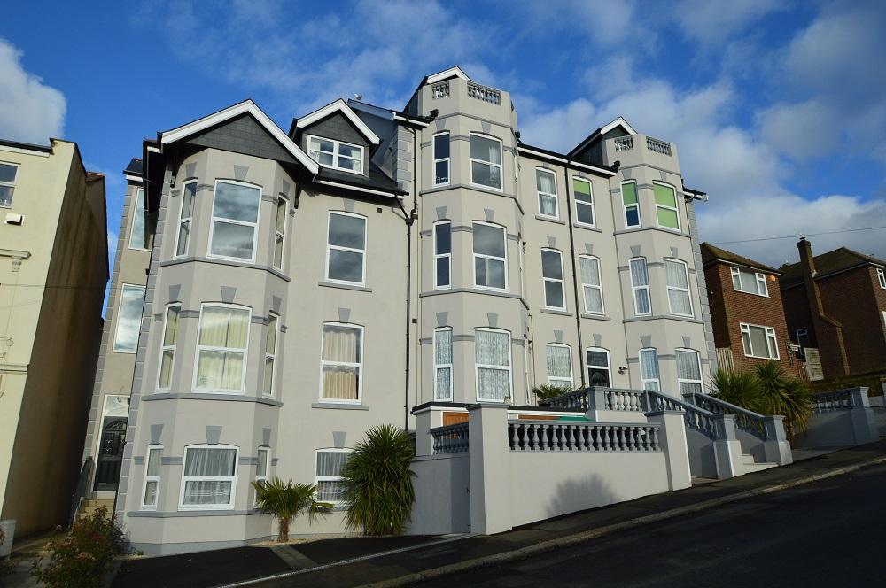 2 Bedrooms Flat for sale in Ashburnham Road , Hastings TN35