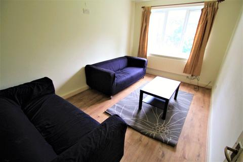 3 bedroom apartment to rent - Flat 3, Pennington Court, Woodhouse, LS6 2RW