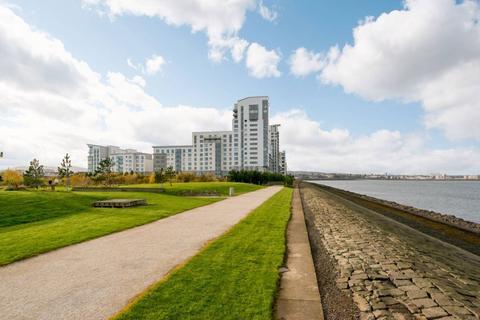 3 bedroom flat for sale - 9/8 Western Harbour View, Edinburgh, EH6 6PG