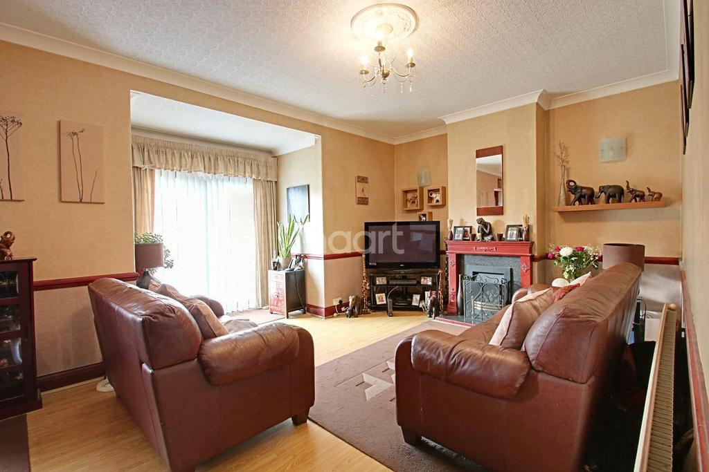 3 Bedrooms Terraced House for sale in Fuller Road, Dagenham
